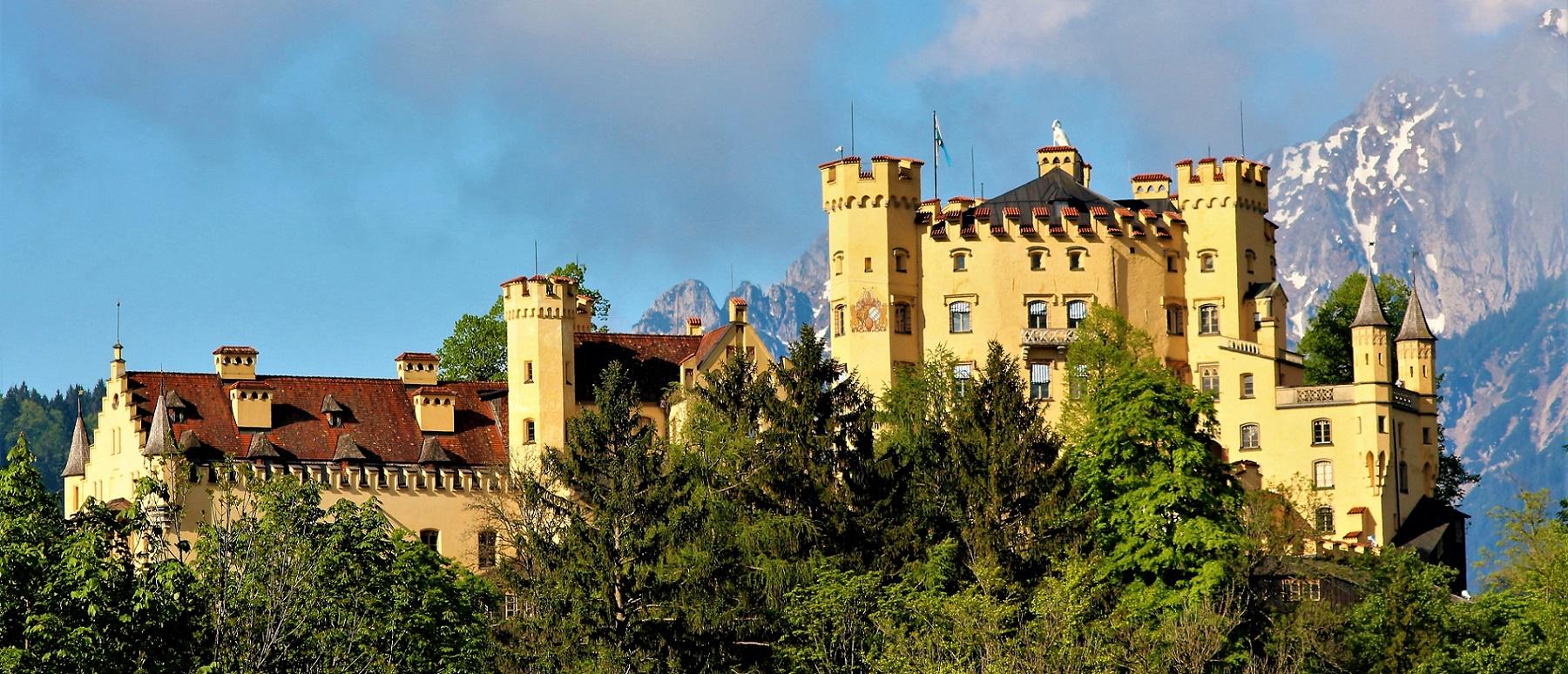 Private Tour to Neuschwanstein and Hohenschwangau Castle from Füssen
